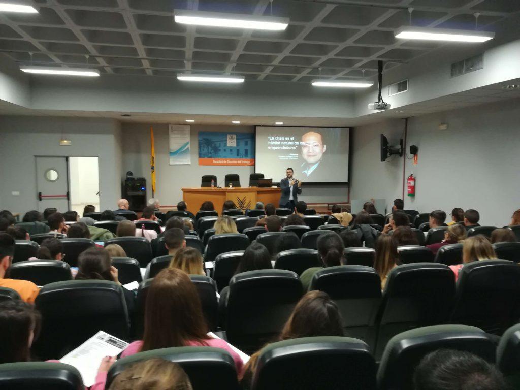 Enseñanzas #semanacadizemprende 2019. Ángel Serralvo en la Facultad de Ciencias del Trabajo de Cádiz
