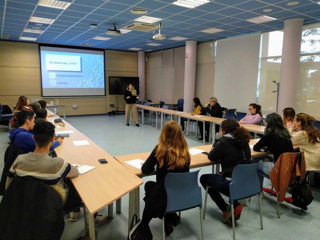"""Enseñanzas #semanacadizemprende 2019. González Martín impartiendo el taller """"Guía ràpida para un speech atractivo"""""""